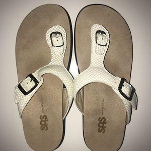 Walking SAS Shoes Sandals Size 7.5